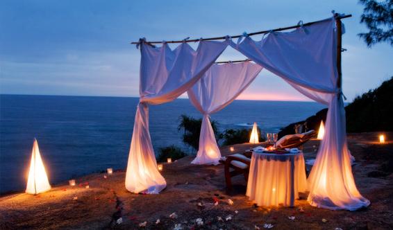 BT_Seychelles_ChampagneOnTheRocks