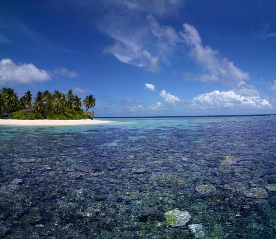 jumeirah-dhevanafushi-beach