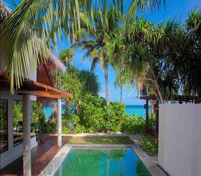 jumeirah-dhevanafushi-pool