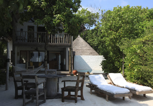front_view_of_crusoe_suite_2_bedroom_with_pool_no_model_Merci.Travel