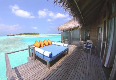 deluxe-over-water-bungalow-deck_Merci.Travel - min