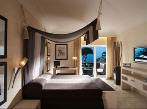capri-palace-hotel-and-spa-luxurious-5-star-hotel-design-architecture-bedroom